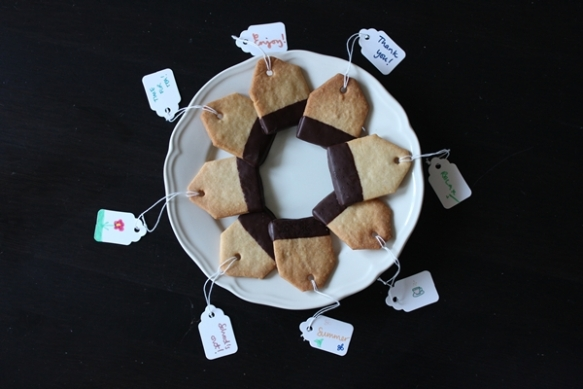 Tea bag cookies on plate